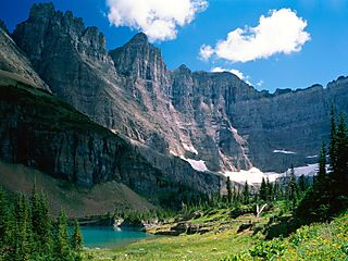 Near-iceberg-lake-glacier-national-park-montana