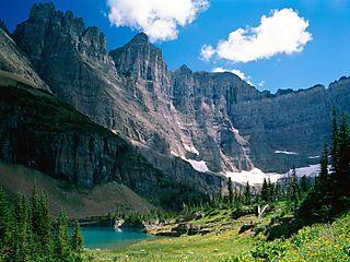 Near-iceberg-lake-glacier-national-park-montana