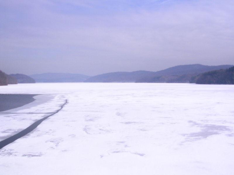 Frozen hudson 2