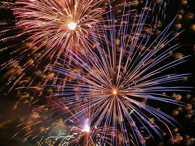 Free_holiday_fireworks_screensaver_28494