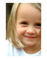 Littlegirlissmilingposteri12141093