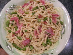 Pasta_with_proscutto_and_asparagus